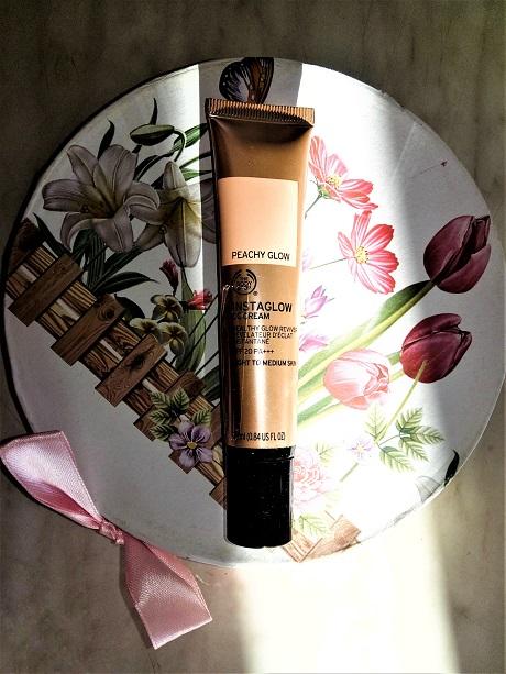 Instaglow CC Cream de la The Body Shop (1)