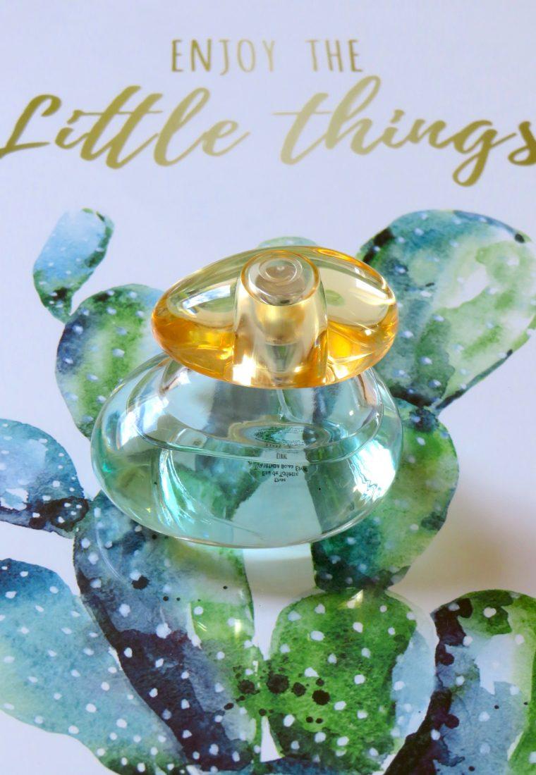 Prospețime și delicatețe în parfumul Elvie de la Oriflame