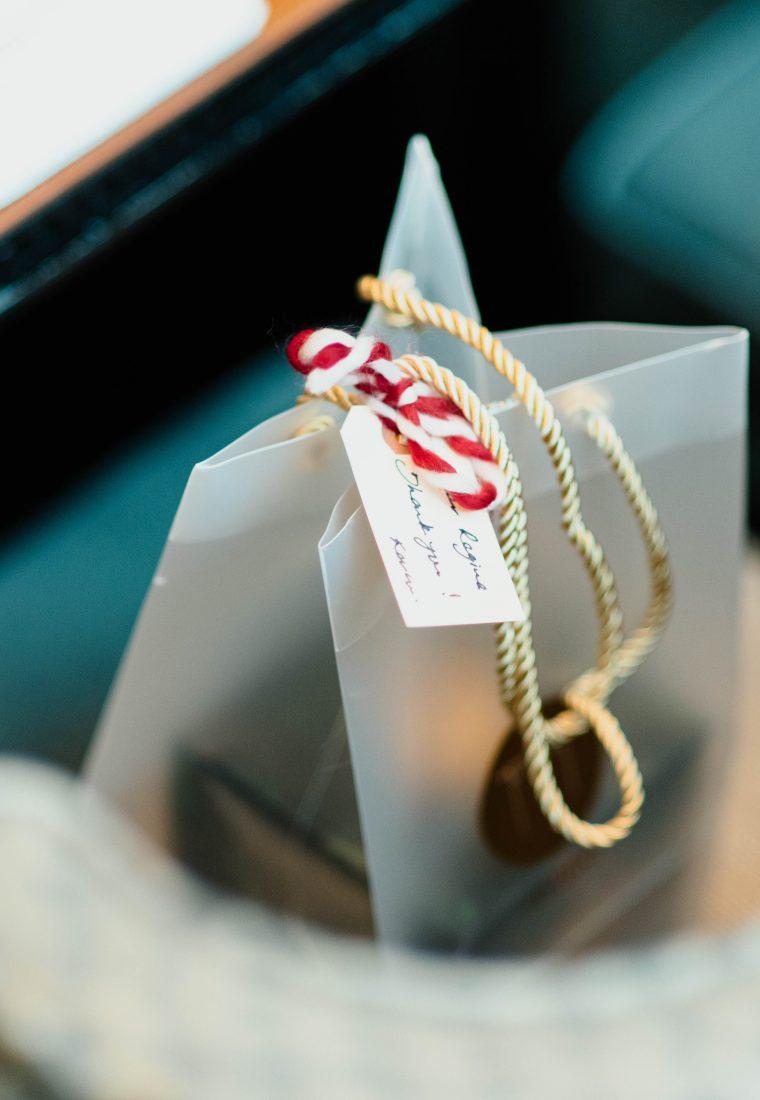 Cadouri de Secret Santa când ai buget fix și ești în pană de idei