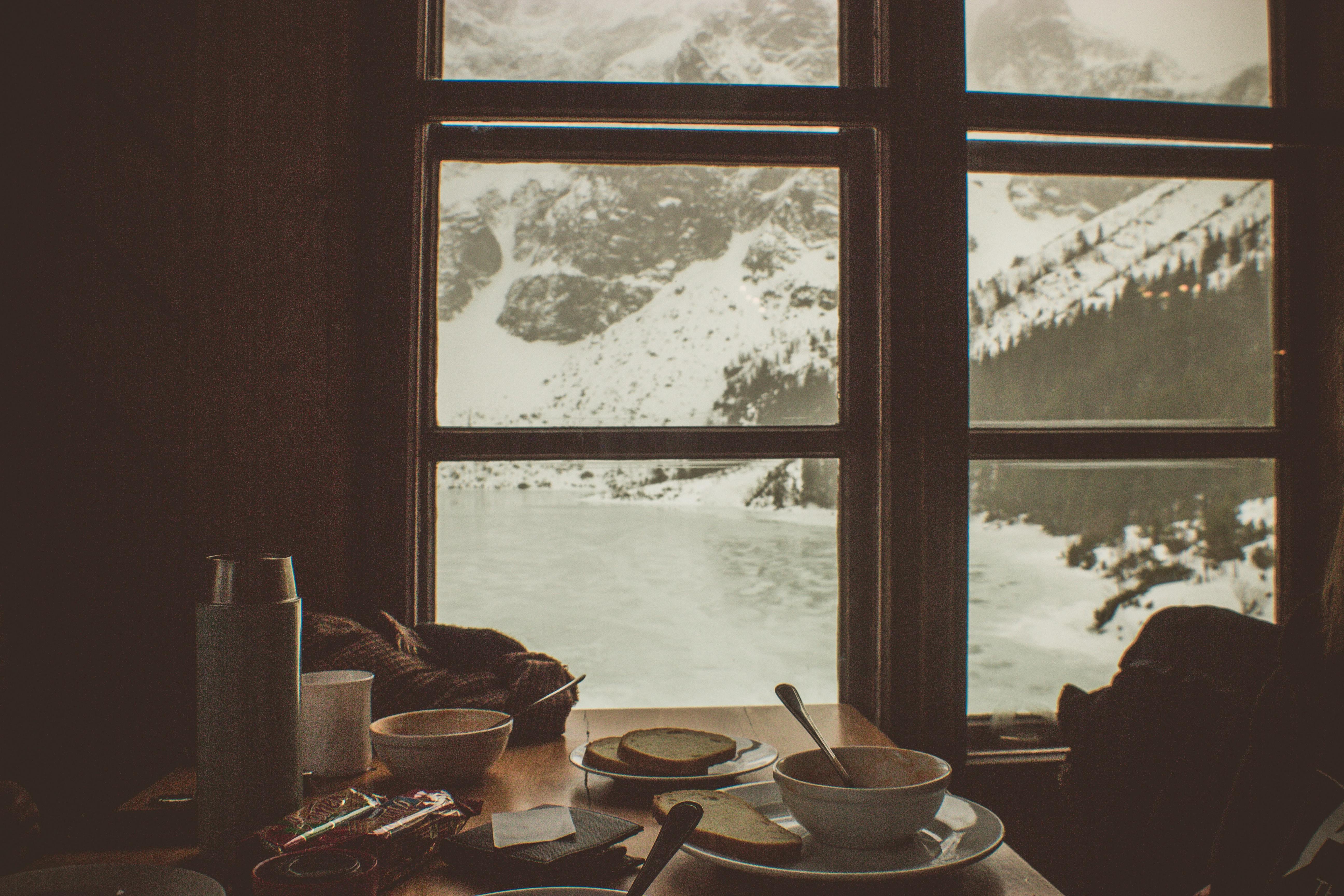 Articole utile, rețete și idei de încercat cât stăm acasă